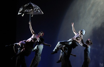 Pilobolus, Photography by Sara Davis-Contradance